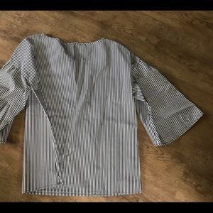 Lafayette 148 NY black stripe bell sleeve blouse S